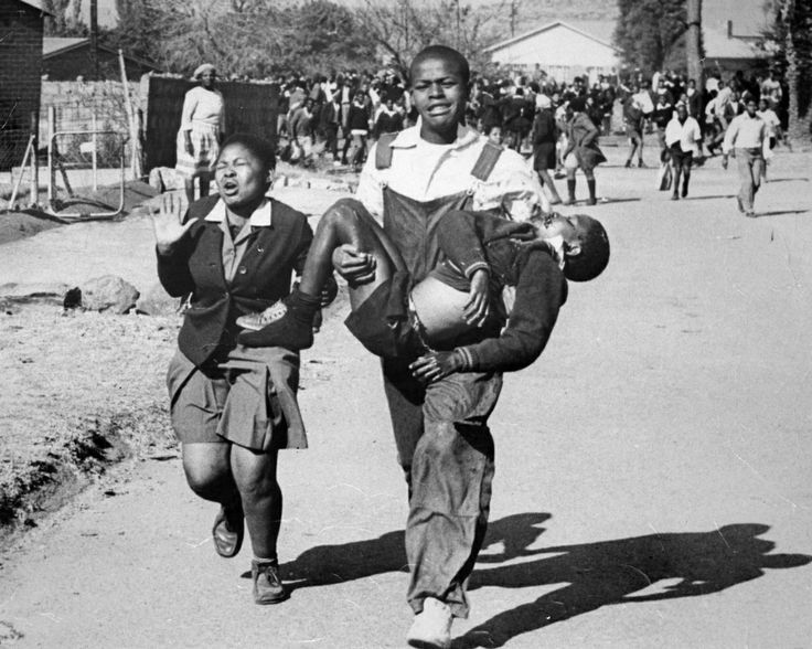 Nzima_Pieterson_Makhubo_Shooting_Soweto_South_Africa_19760616_1.jpg