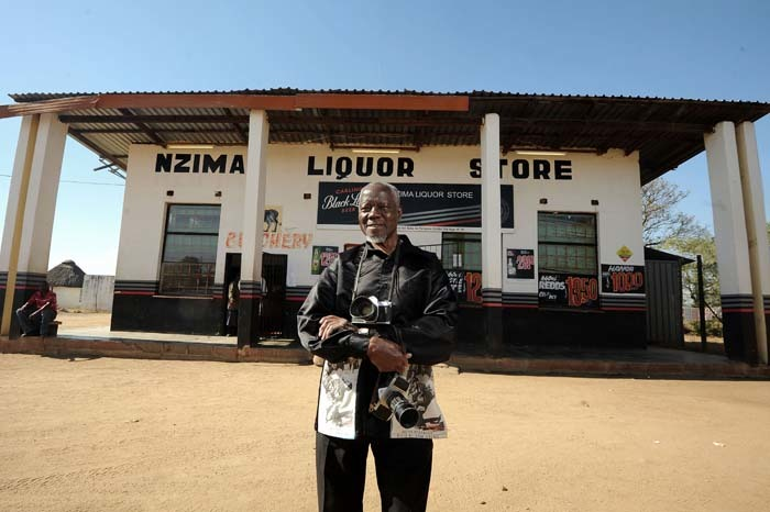 Nzima_Photographer_Liquor_Store_Lillydale_South_Africa_20140624.jpg